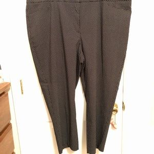 Never worn cropped pant